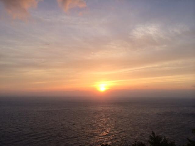 出会い岬と夕陽の画像