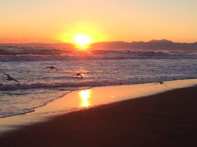 片瀬江ノ島の扇形の夕陽