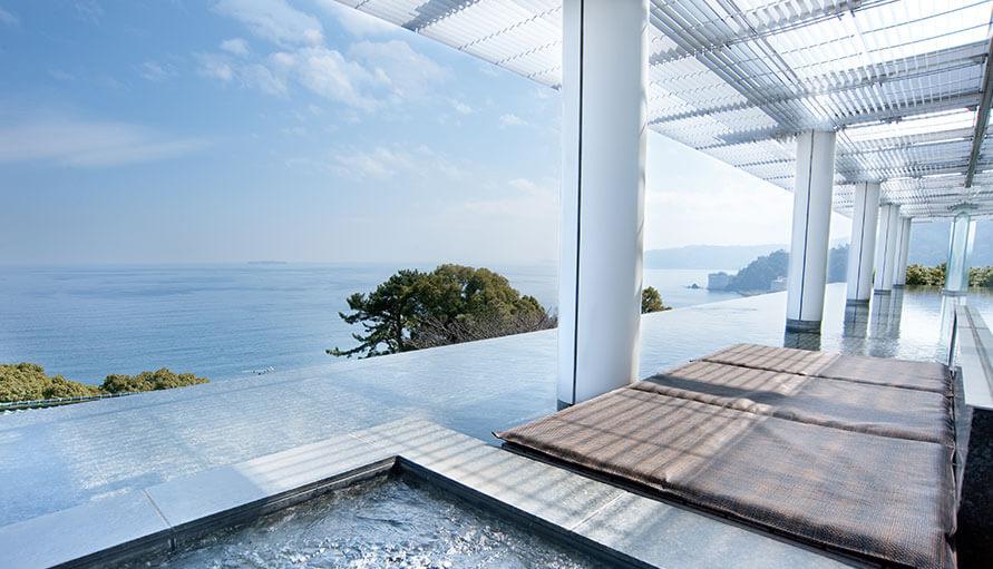 伊豆のおすすめ高級旅館 ATAMI海峯楼の客室誠波の画像1