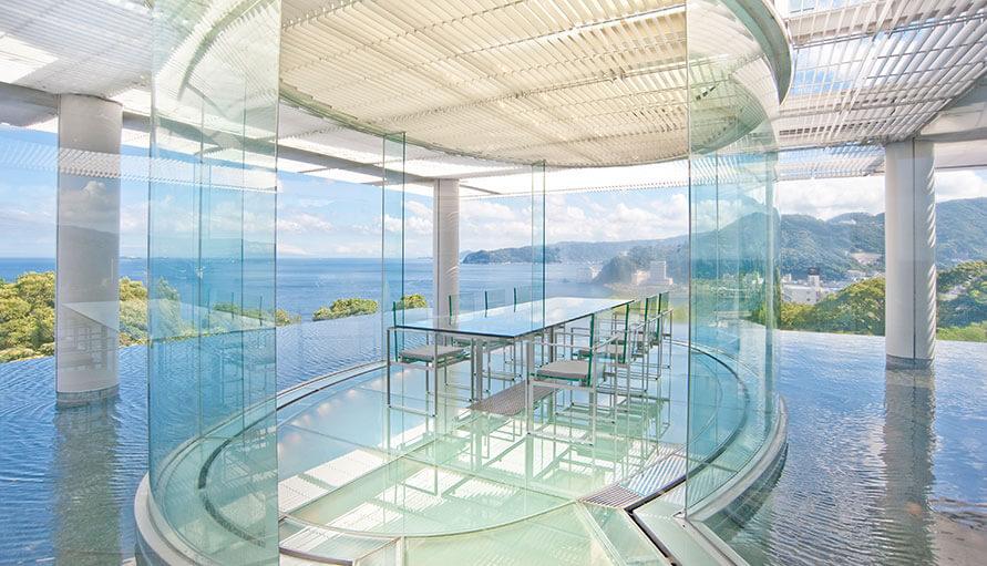 伊豆のおすすめ高級旅館 ATAMI海峯楼のウォーターバルコニー