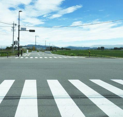地方の道路