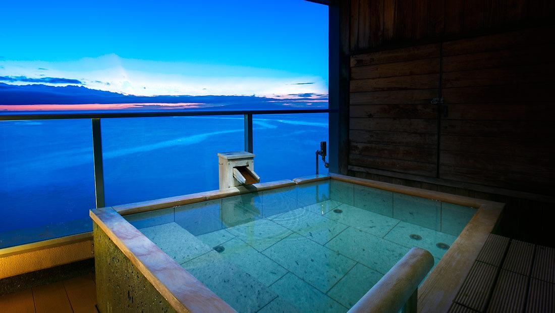 伊豆の部屋食 浜の湯の客室露天風呂