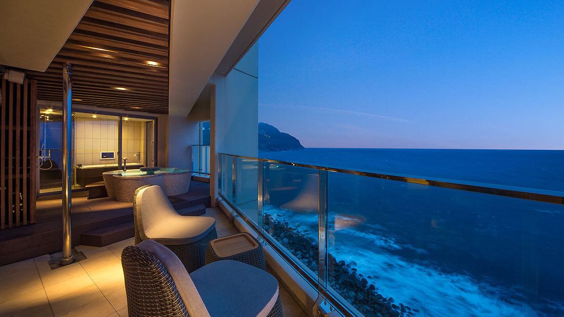伊豆のおすすめ高級旅館 浜の湯のテラス