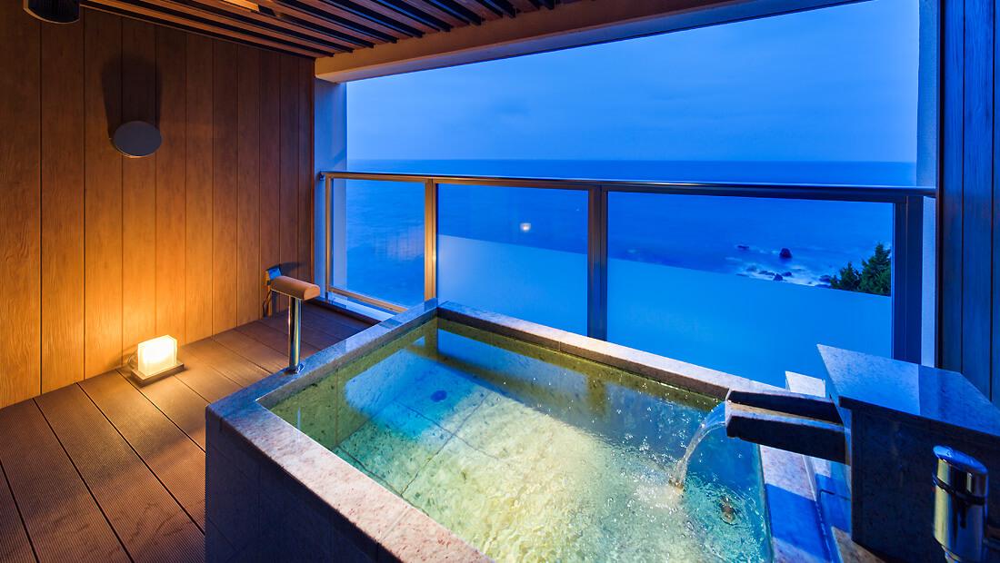 伊豆のおすすめ高級旅館 浜の湯の客室露天風呂