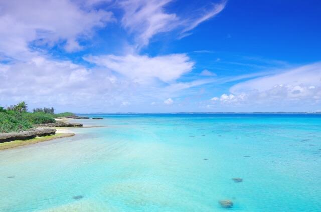 沖縄の海の画像