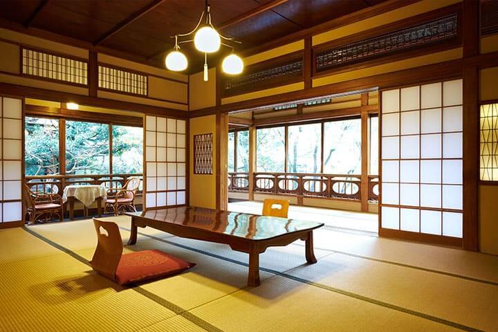 箱根の部屋食の宿