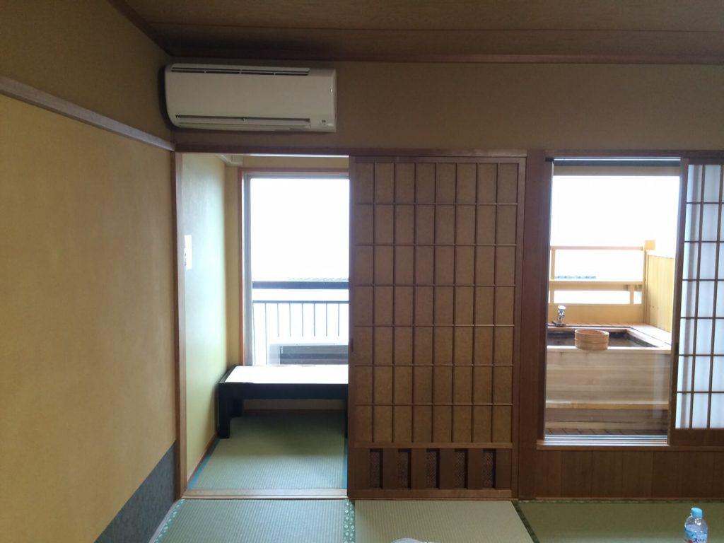 たたみの湯 湯の花亭の露天風呂付き客室秋桜