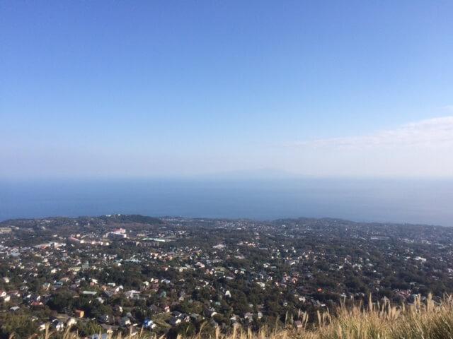 大室山から伊豆大島の画像
