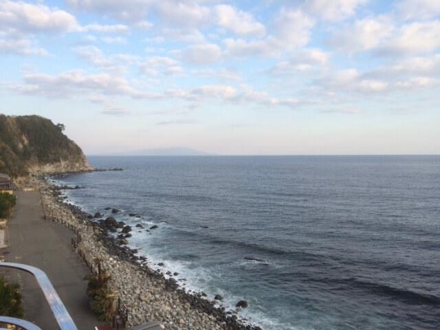 粋から見える伊豆大島方面