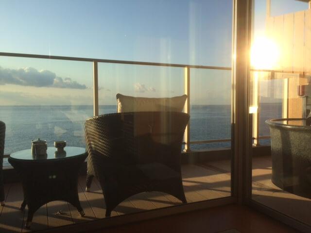 伊豆の高級旅館 いなとり荘潮騒倶楽部 粋客室のテラス席
