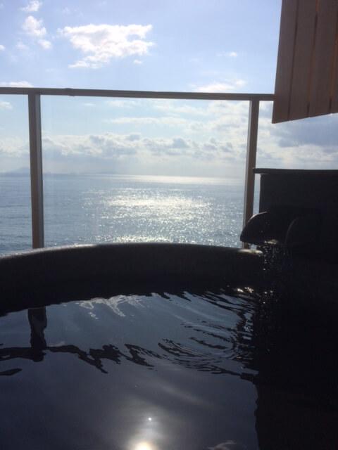 伊豆の高級旅館 いなとり荘潮騒倶楽部 粋客室の露天風呂からの眺め