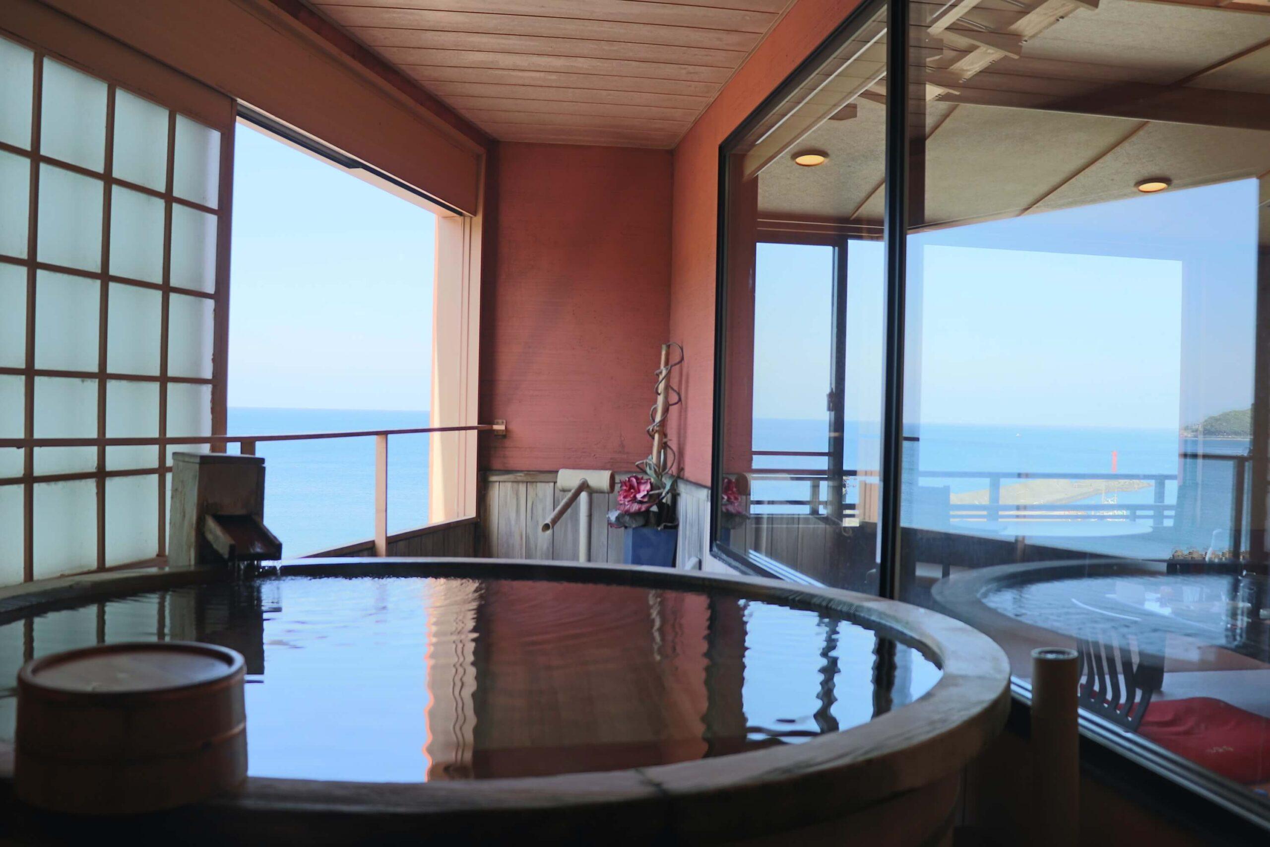 伊豆の部屋食プランのある宿の粋松亭の客室露天風呂