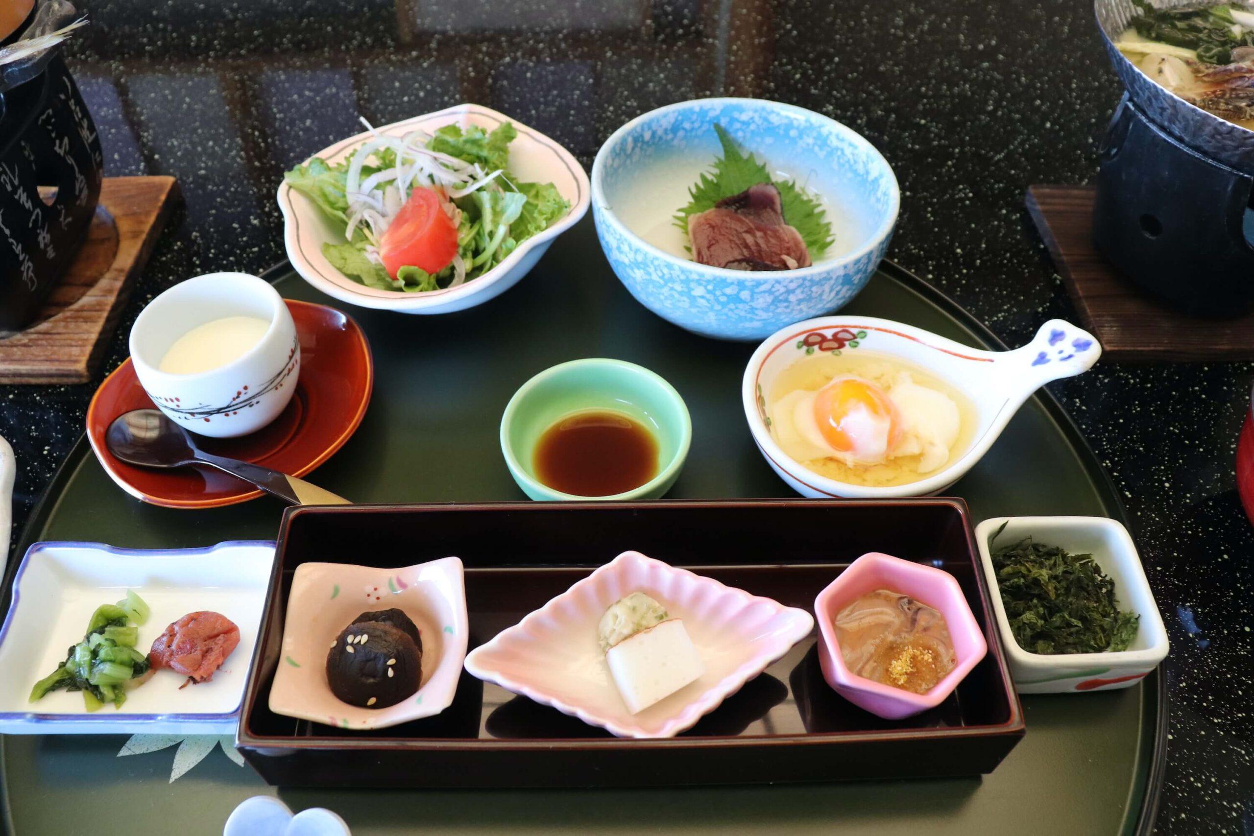 伊豆の部屋食プランのある粋松亭の朝食
