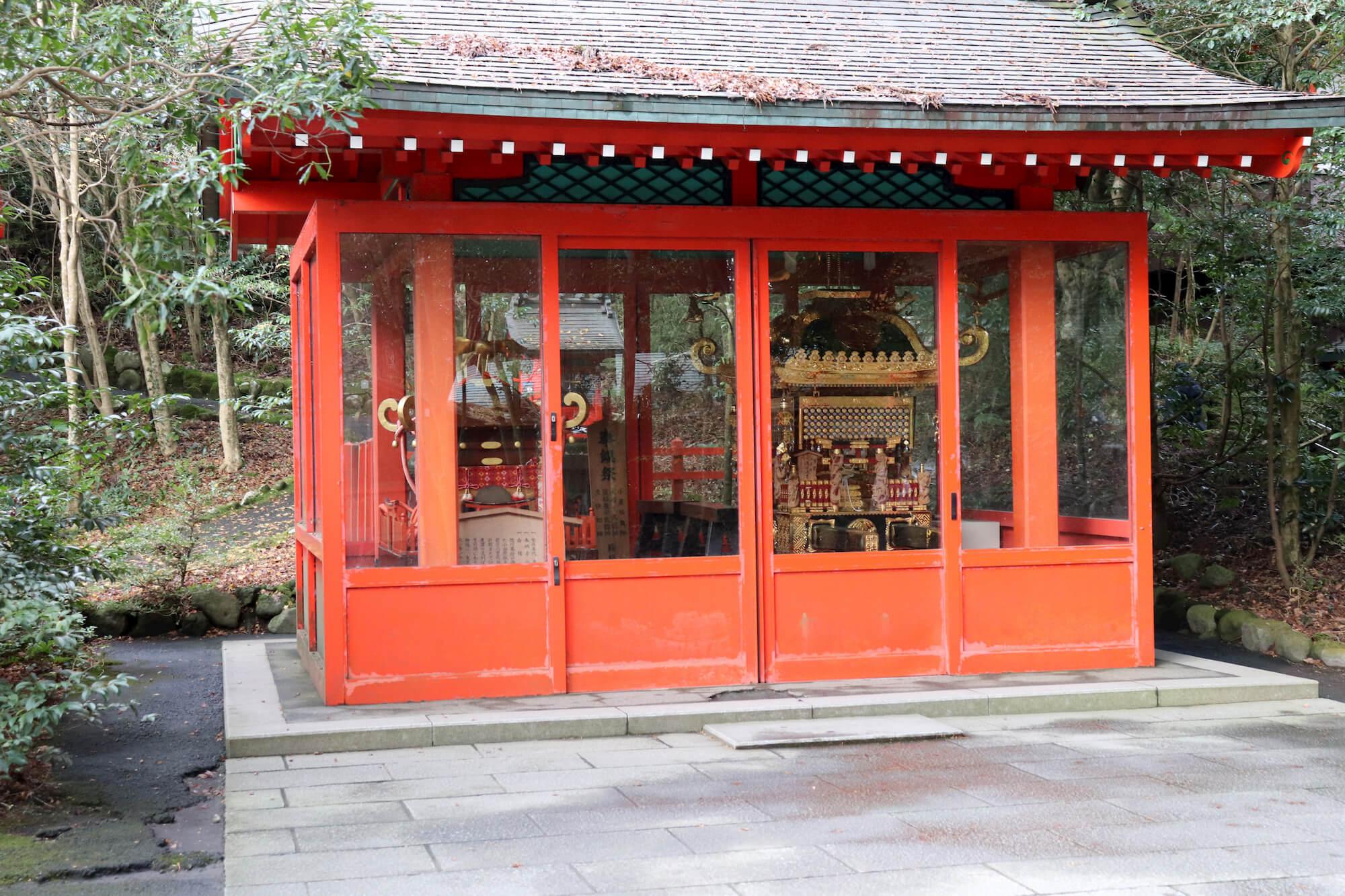 箱根神社の神輿庫