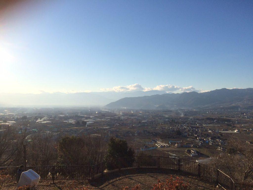 勝沼ぶどうの丘恋人の聖地からの眺め