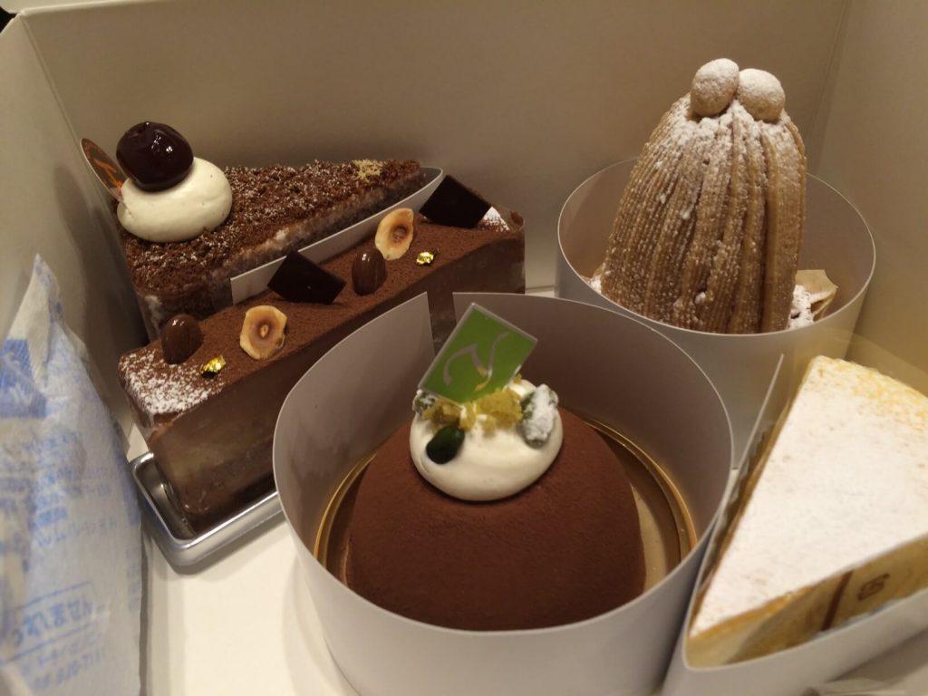 ヨロイヅカファームのケーキ
