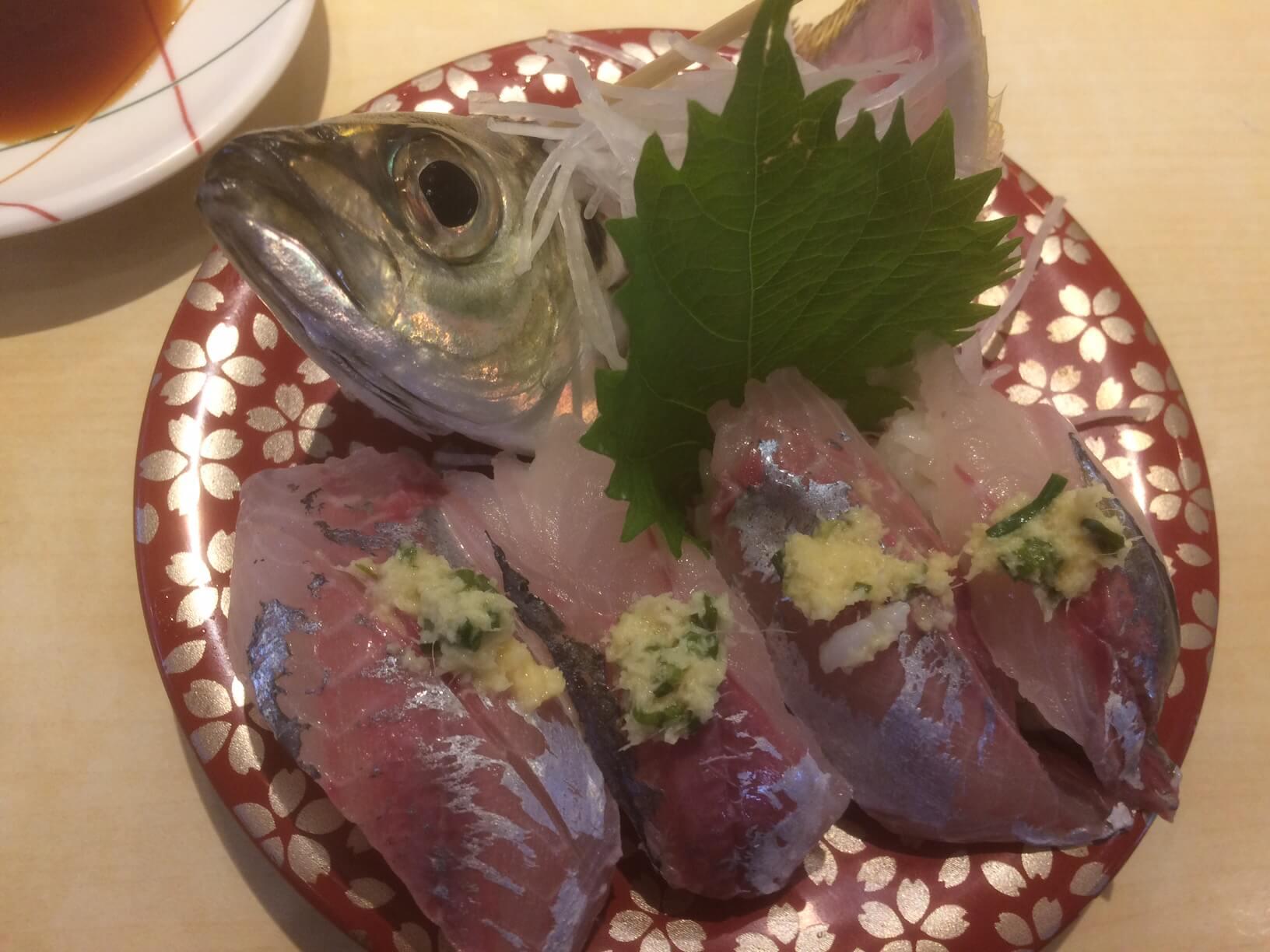 ふじ丸の活けアジの寿司