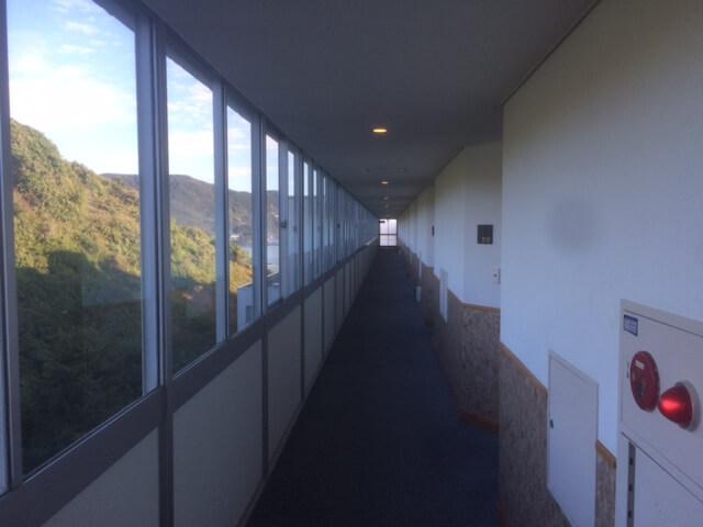 下田プリンスホテルの廊下は長い