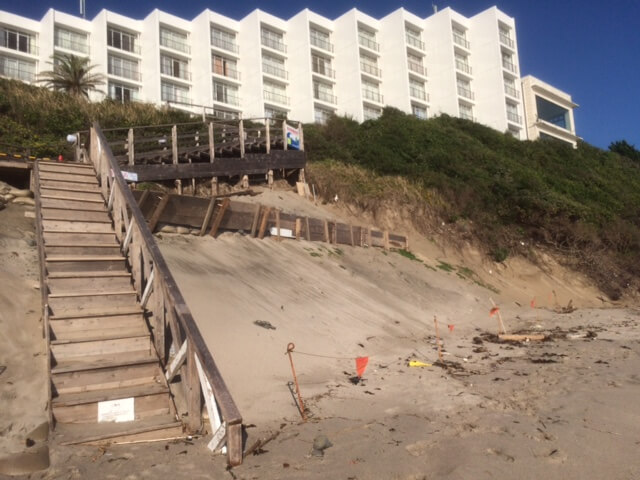 白浜中央から見える下田プリンスホテル