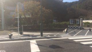下田ペリーロードは蔵と小川の風情ある街並。カフェや雑貨屋も併設されています。