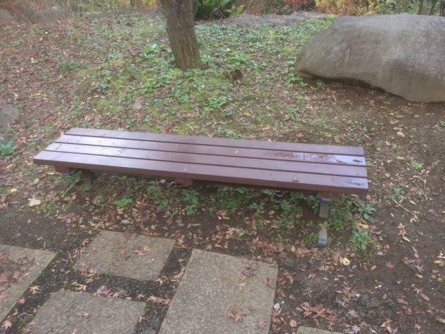 熱海梅園のベンチ