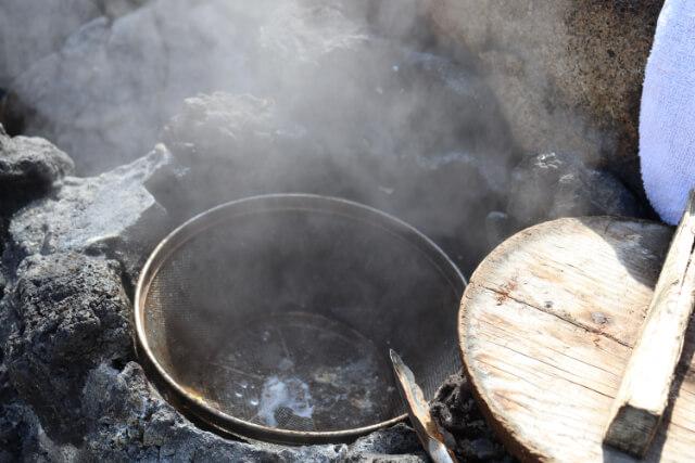 熱海七湯小沢の湯の釜