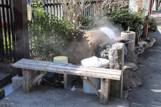 熱海七湯小沢の湯の椅子
