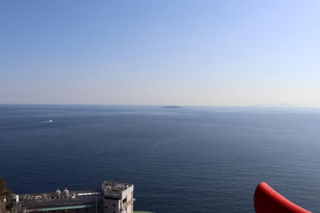 熱海城天守閣からの初島の眺め