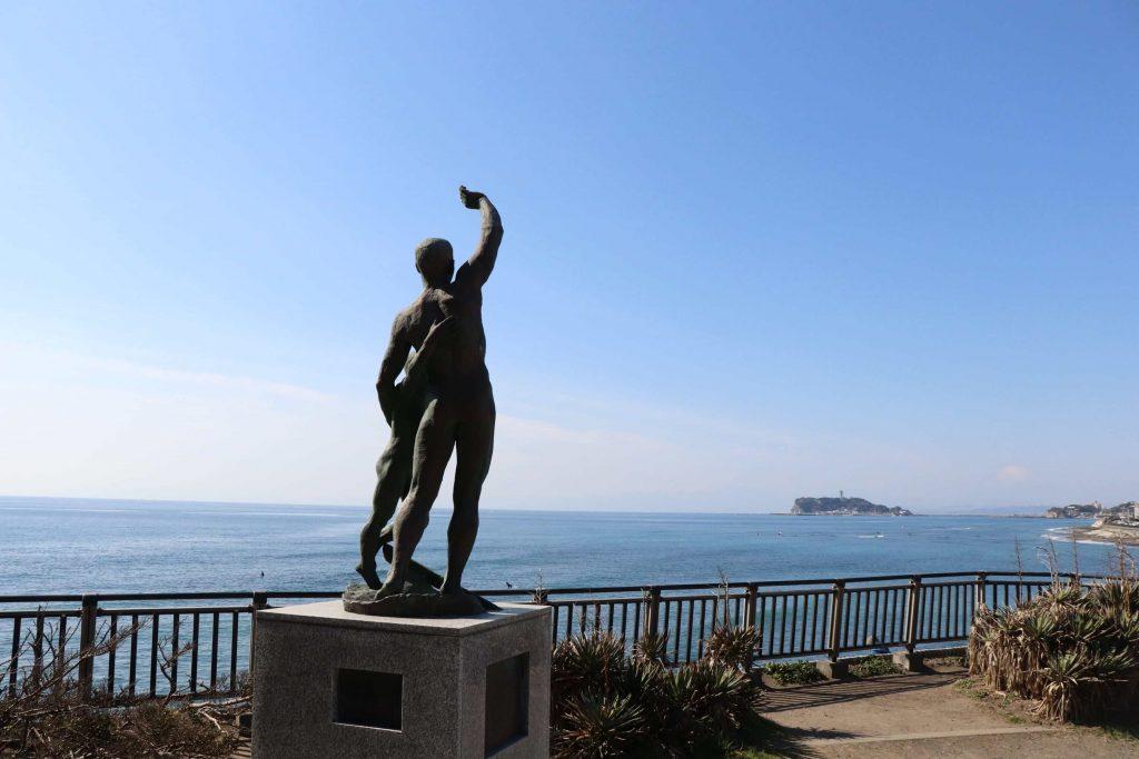 稲村ケ崎公園の銅像