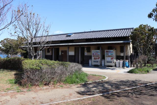 江ノ島駐車場横のトイレ