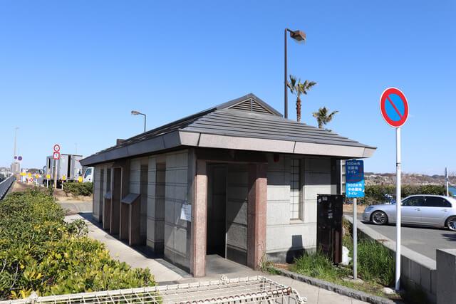 江ノ島桟橋入り口のトイレ