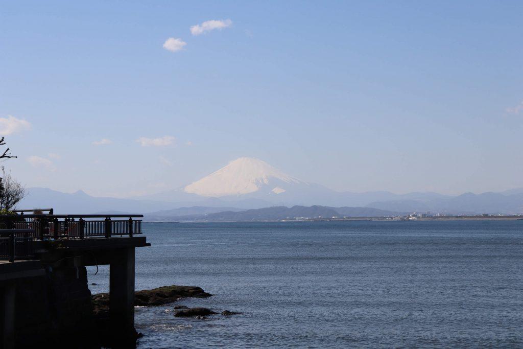 江ノ島桟橋から見る富士山