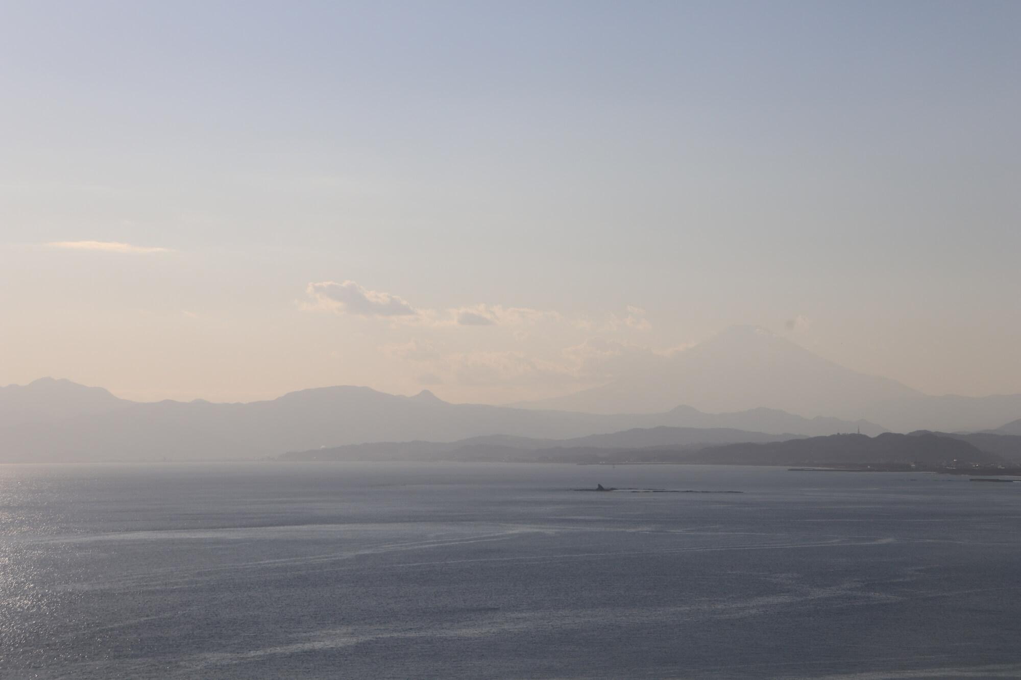 江ノ島シーキャンドルからの富士山