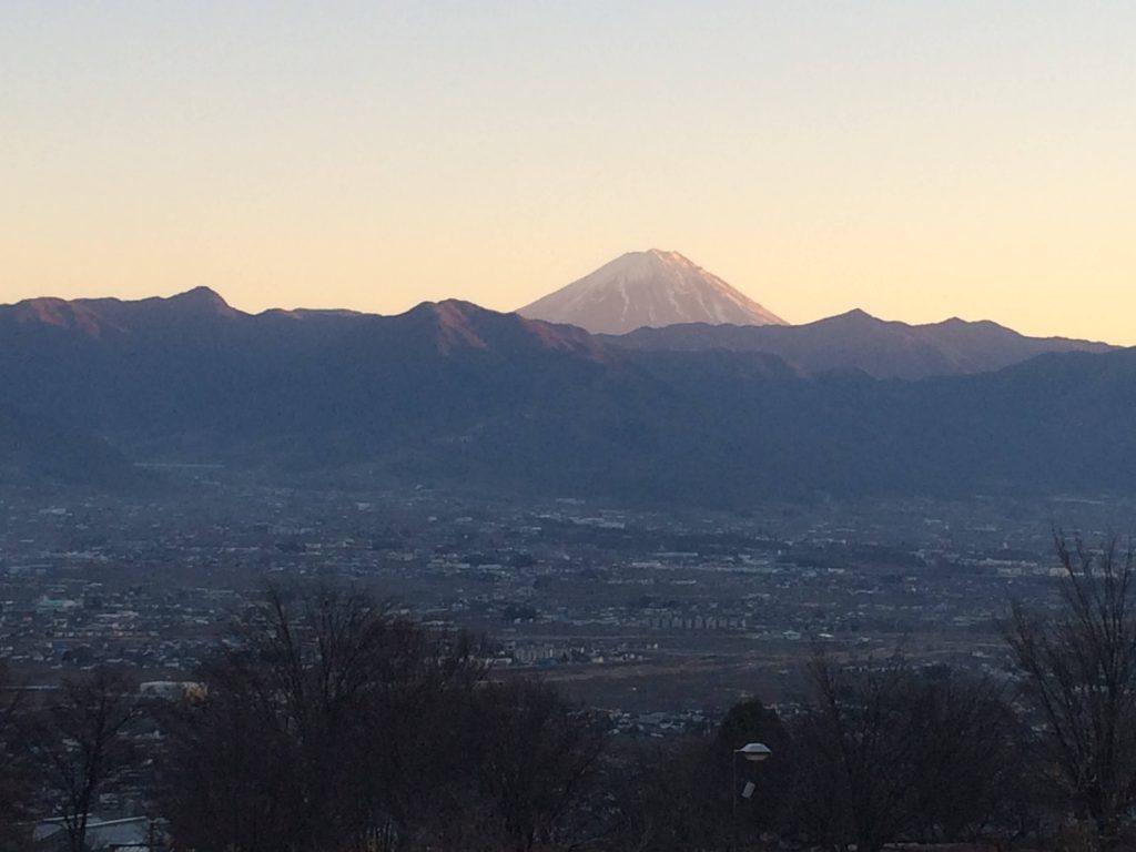 笛吹川フルーツ公園からの富士山