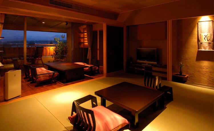 加賀温泉の高級旅館 瑠璃光