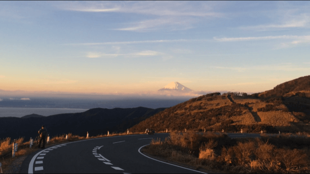 西伊豆スカイラインからの夕日と富士山