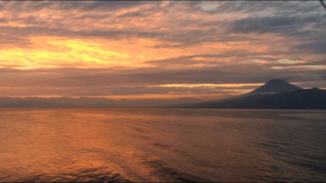 夕方の駿河湾と富士山