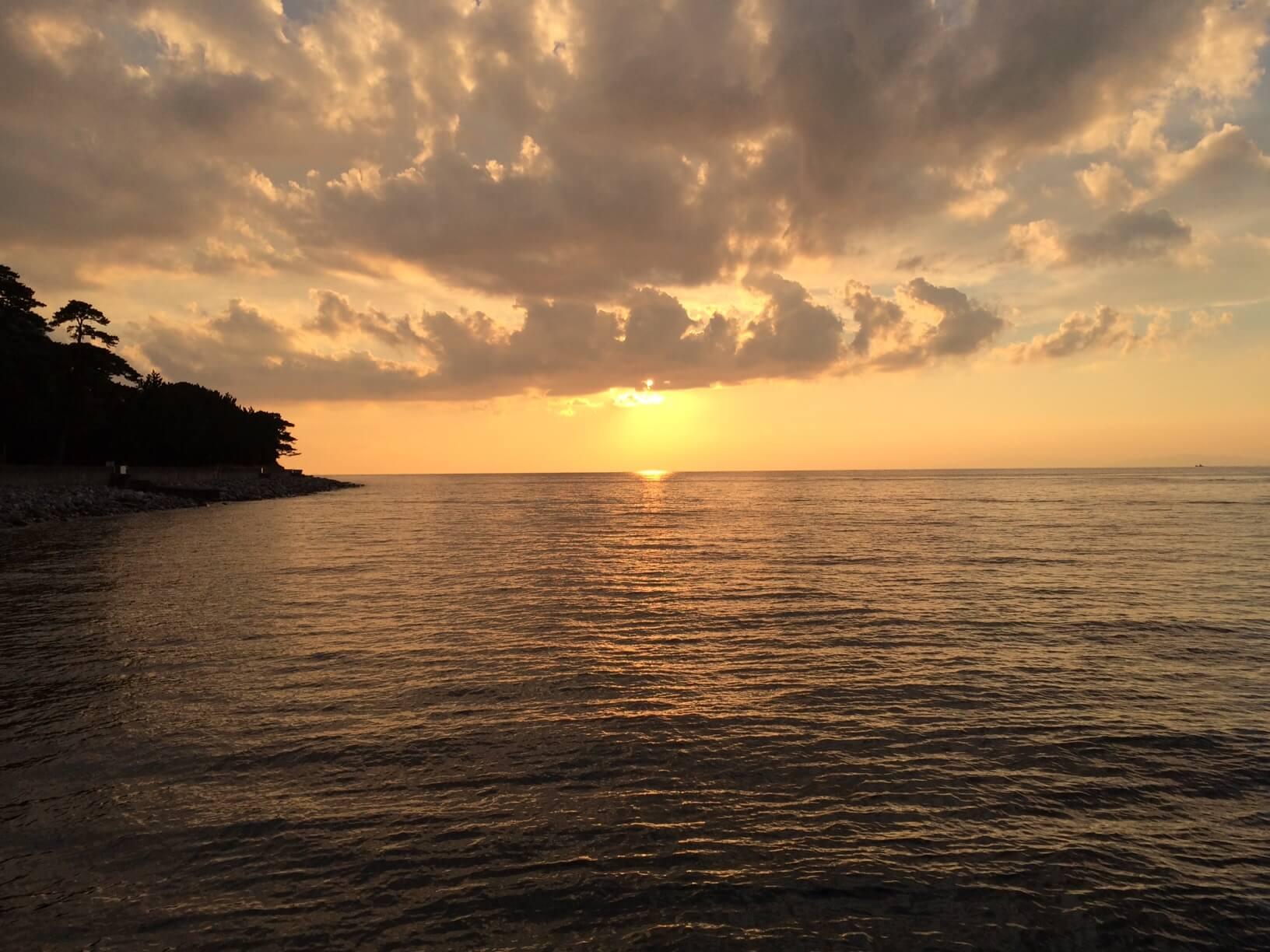 西伊豆井田から見える夕日
