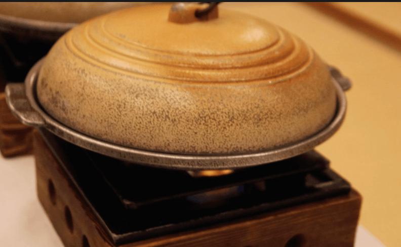 浜の湯の夕食の料理:台の物 鮑の酒蒸し
