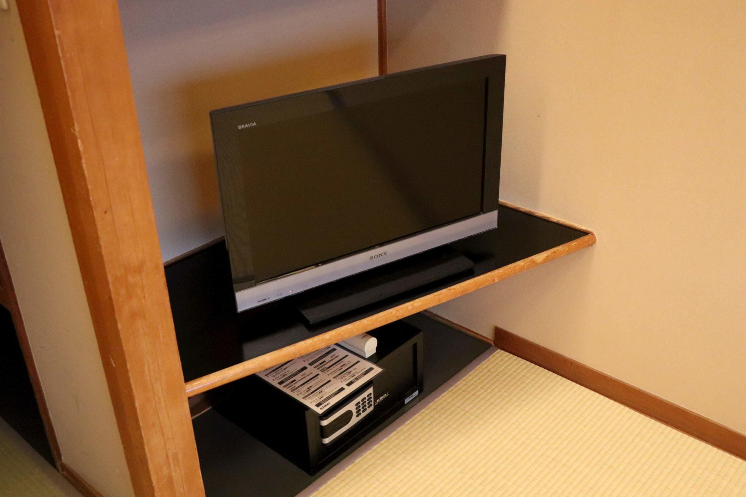浜の湯の客室のテレビ