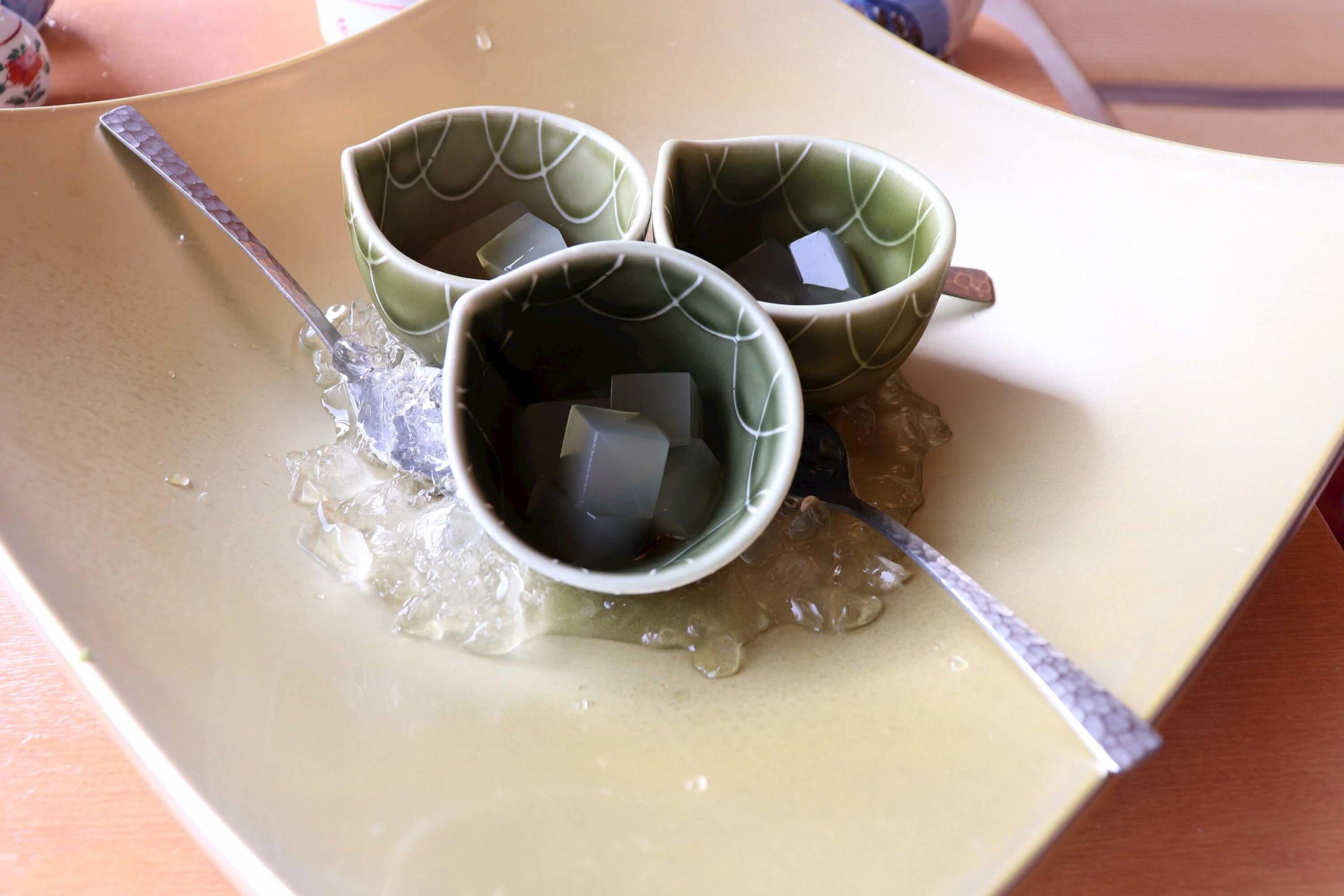 伊豆の露天風呂付き客室があるハイクラス宿の浜の湯の朝のおめざ:ところてん