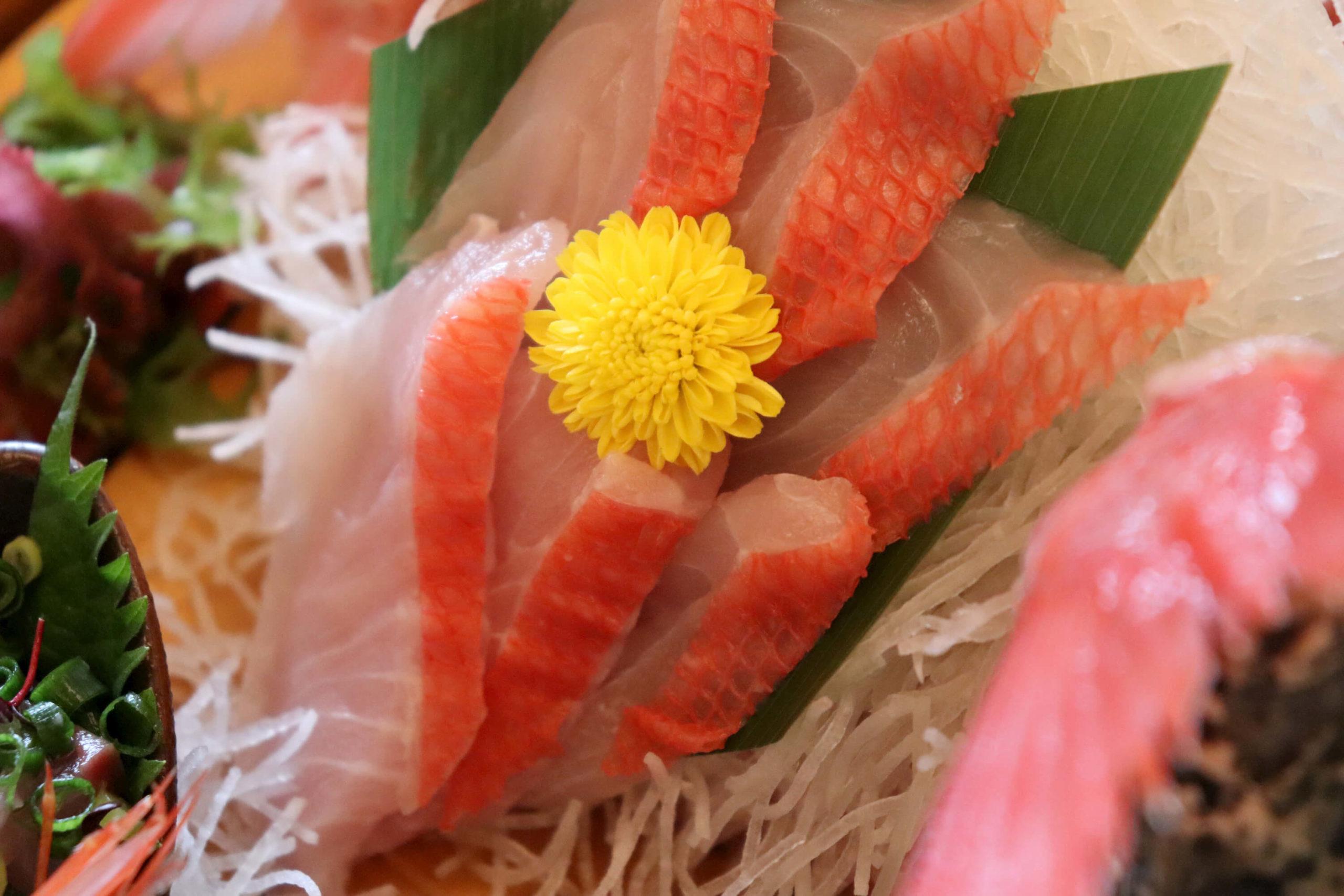 浜の湯の朝食の舟盛り:金目鯛のお刺身