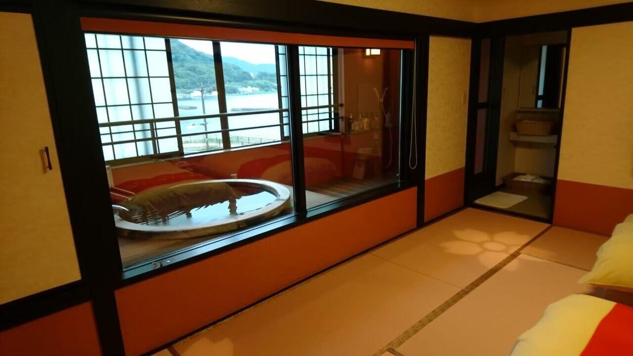 西伊豆の高級旅館、粋松亭の客室露天風呂(慶太ブログ)