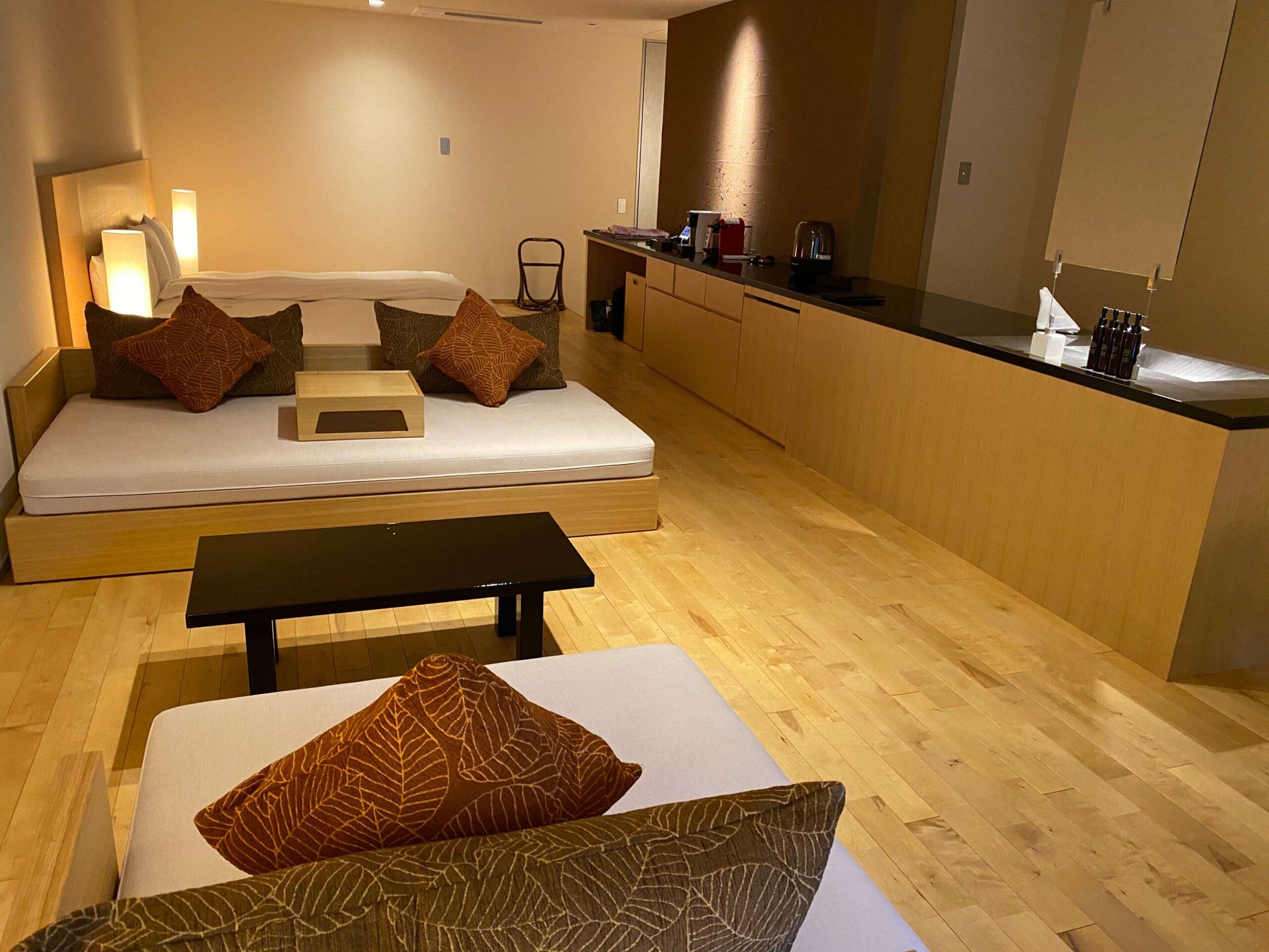 箱根の高級旅館:金の竹塔ノ沢グラブフロア雲のお部屋(慶太ブログ)