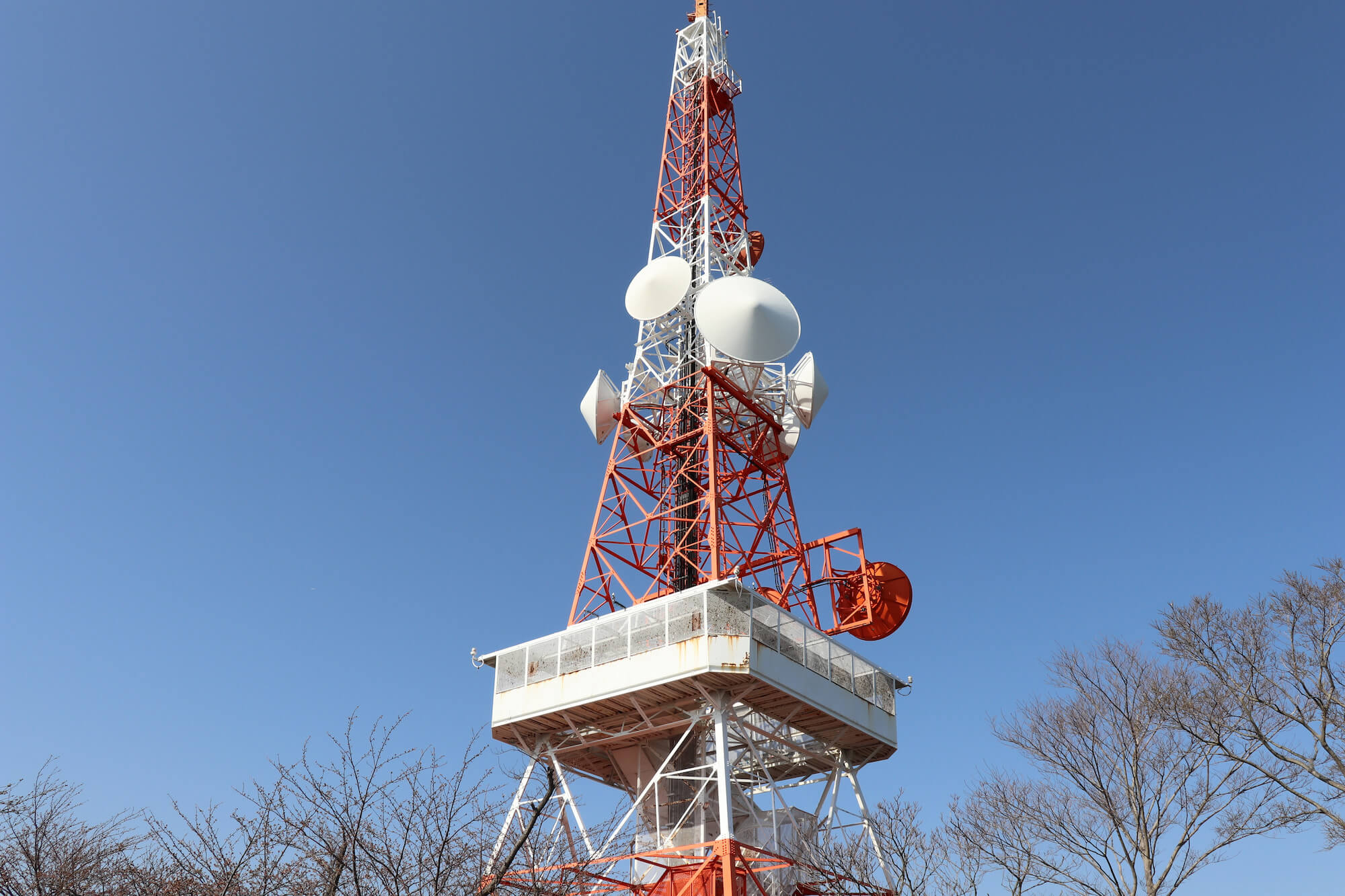 湘南平のテレビ棟