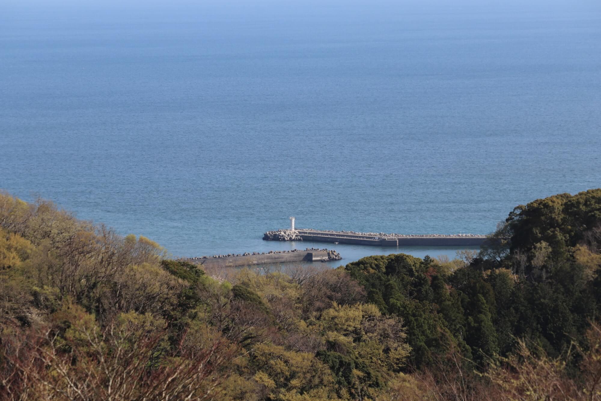 湘南平から見る大磯港