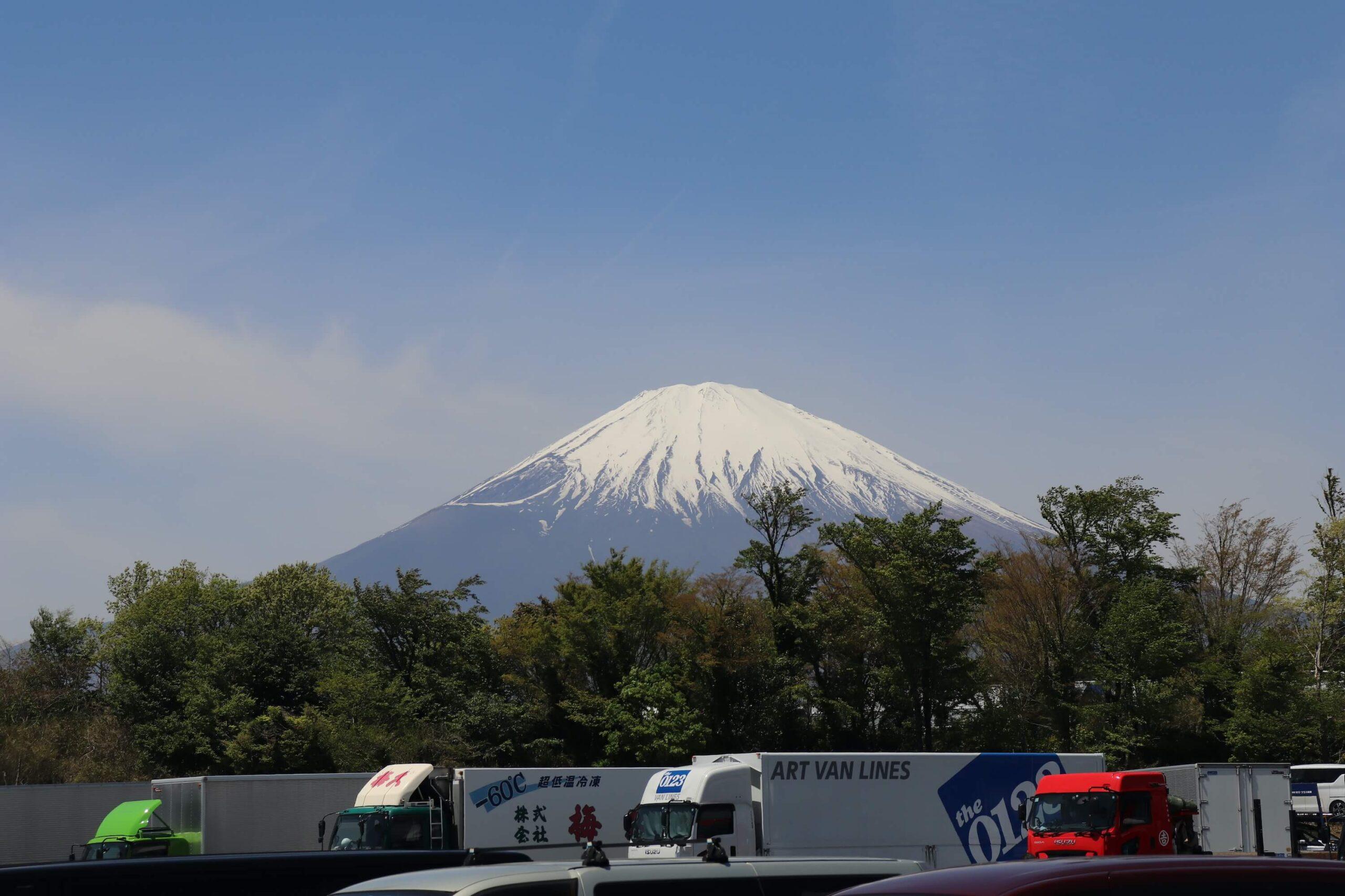 御殿場SAから見える富士山