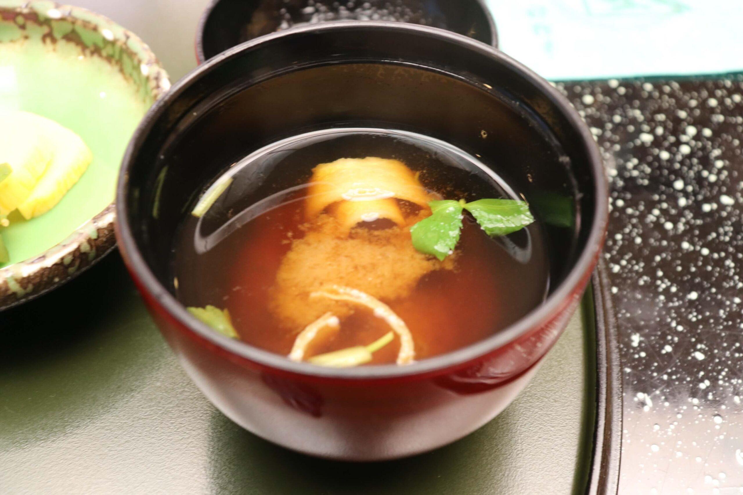 粋松亭の絆会席料理(夕食)のお味噌汁