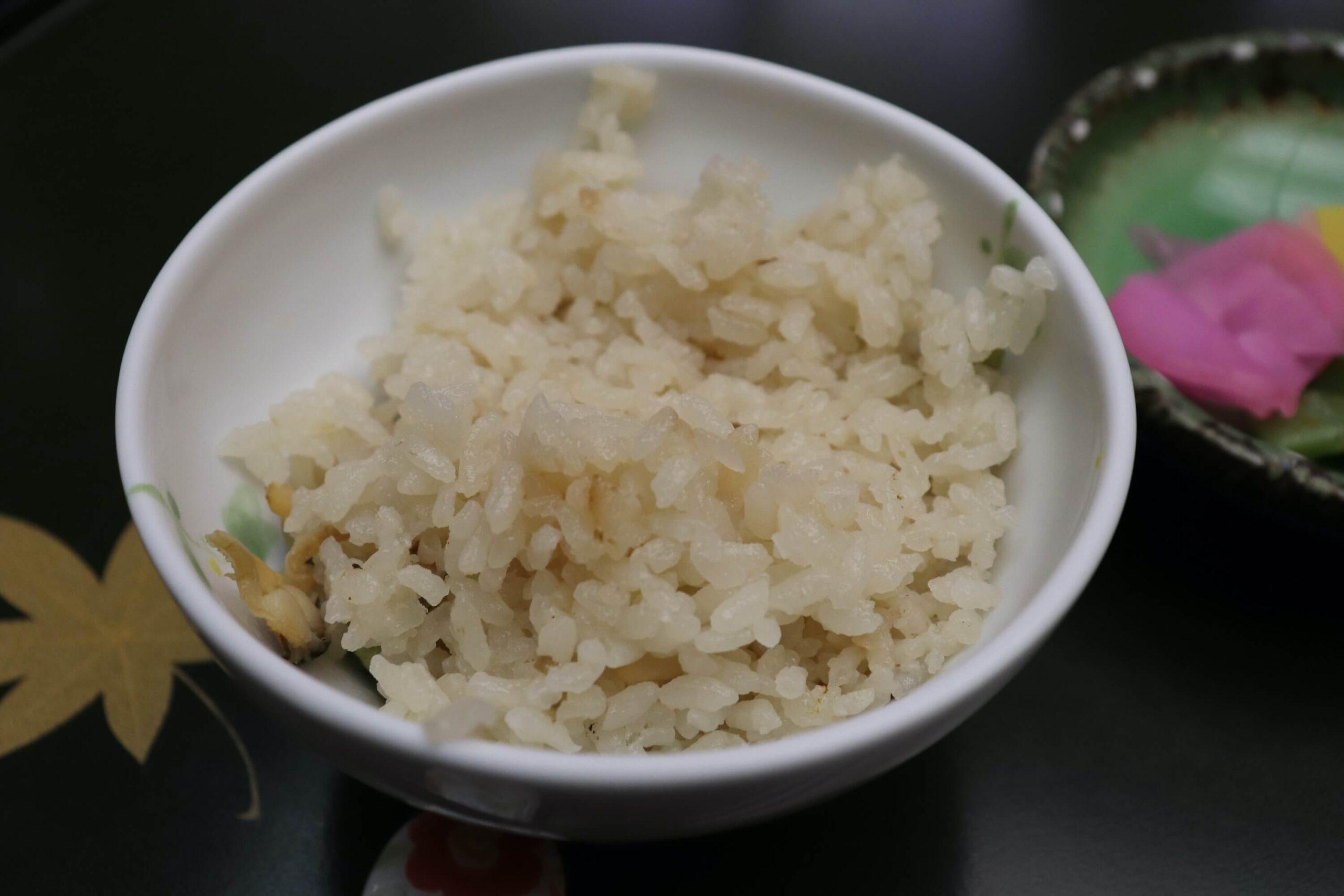粋松亭の絆会席料理(夕食)のアサリご飯