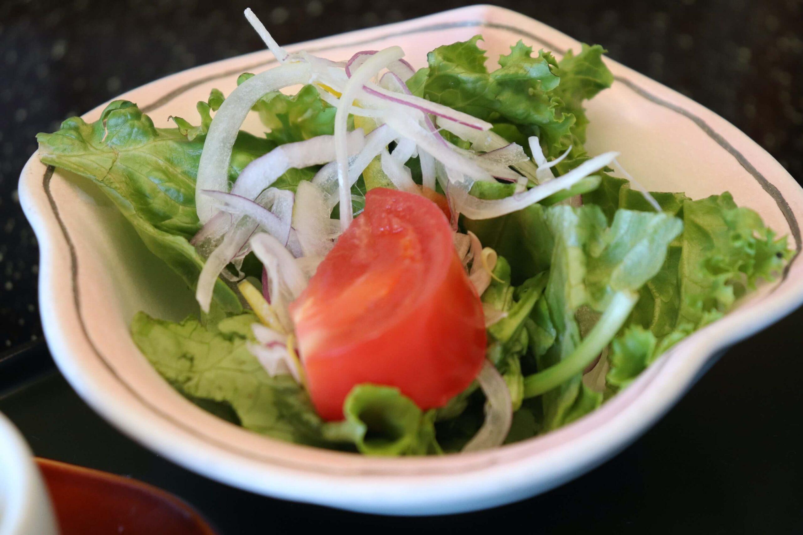 粋松亭の朝食のサラダ